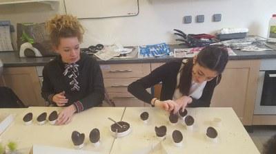 4- Montage des oeufs au chocolat