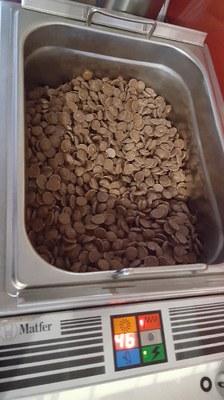 1-  fonte et coulage du chocolat