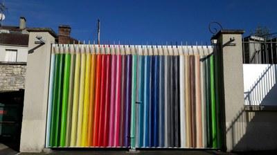 portail crayons au soleil (2)