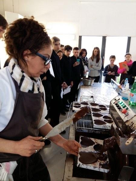 les-secondes-et-la-chocolaterie-colas